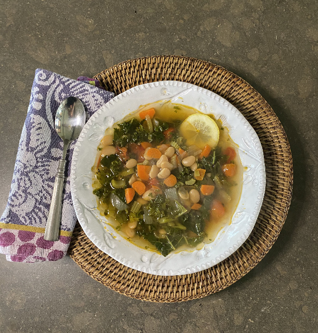 Jayme's White Bean and Kale Soup